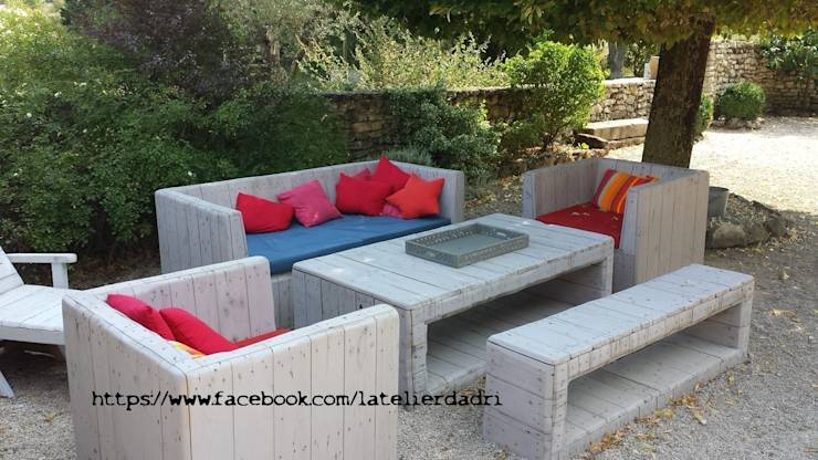 10 superbes salons de jardin en bois. Black Bedroom Furniture Sets. Home Design Ideas