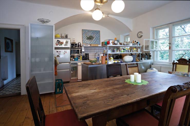 rustikaler landhaus traum im altbau door k chen quelle homify. Black Bedroom Furniture Sets. Home Design Ideas