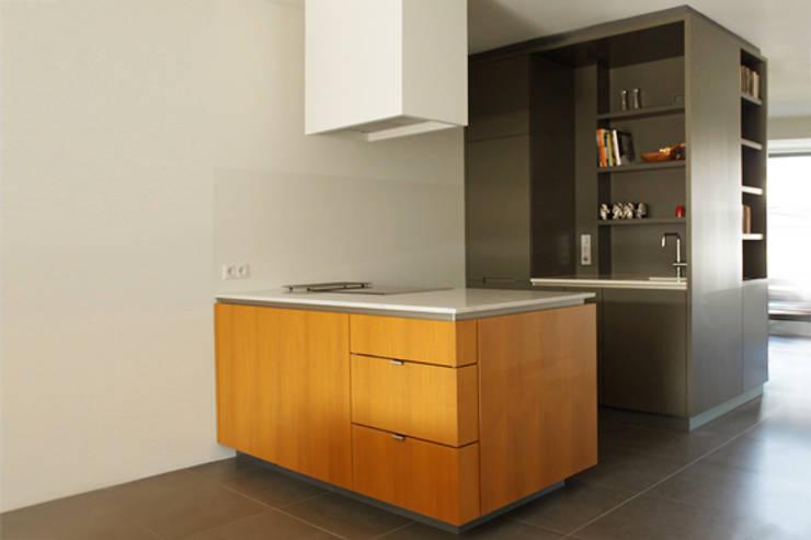 Modern en strak design in de keuken - Centrale design keuken ...