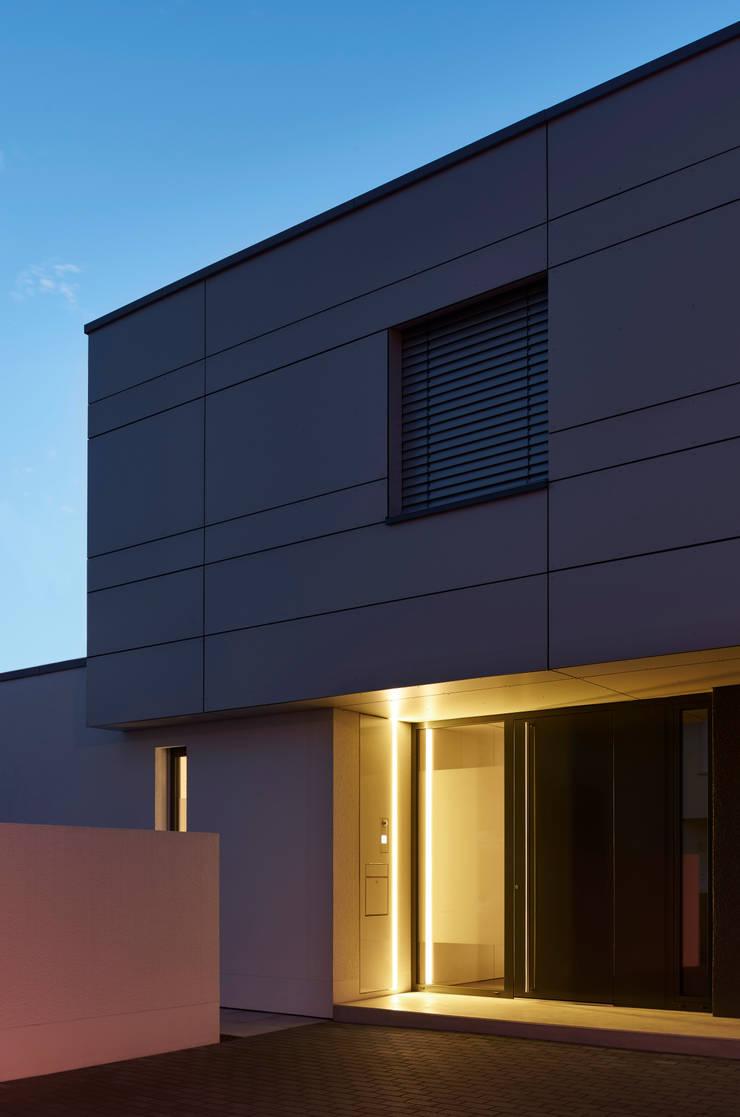 Wohnhaus s von fachwerk4 architekten bda homify for Moderne architektur wohnhaus