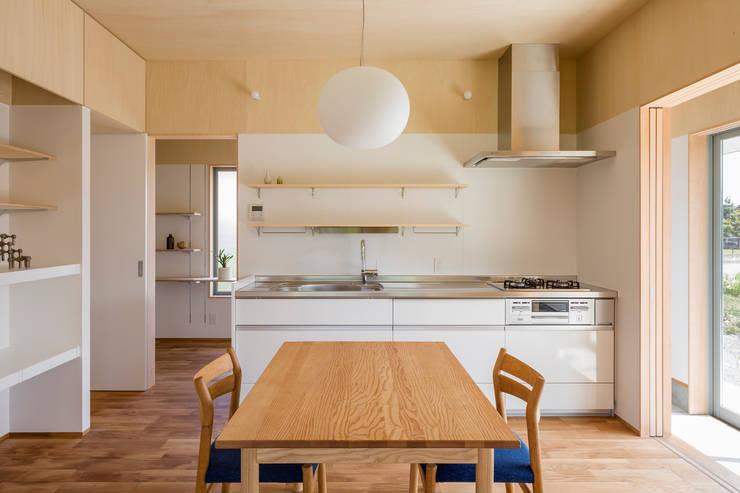 eclectic Kitchen by 矢内建築計画 一級建築士事務所