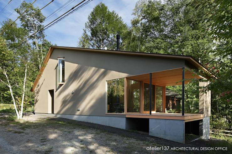 031軽井沢Tさんの家: atelier137 ARCHITECTURAL DESIGN OFFICEが手掛けたtranslation missing: jp.style.家.modern家です。