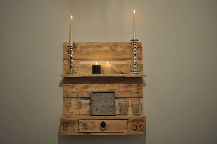 8 tips om prachtige meubels van pallets te maken - Flaschenregal selber bauen ...