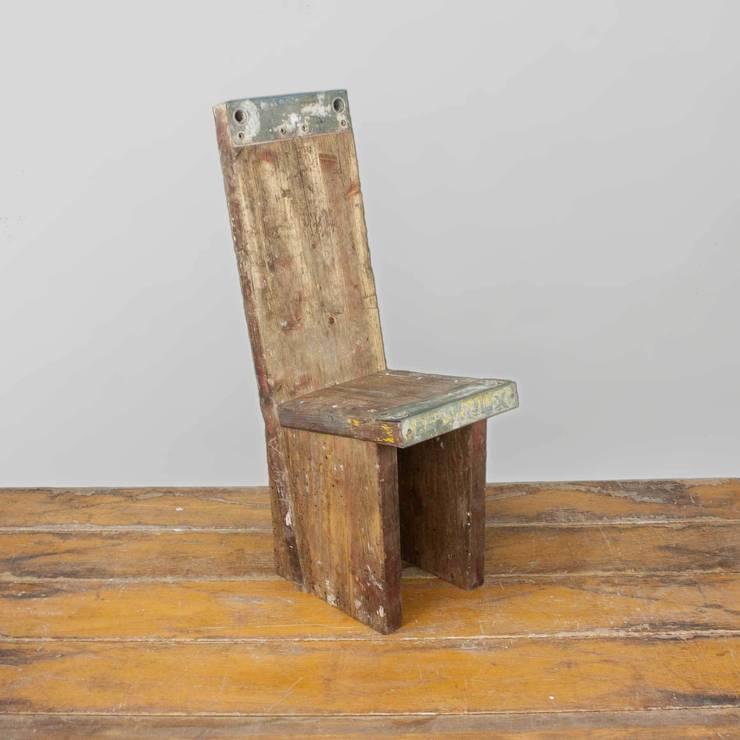 m bel aus alten ger stbohlen von vinterior homify. Black Bedroom Furniture Sets. Home Design Ideas