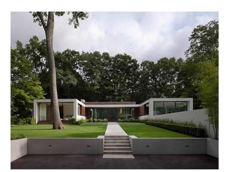 Specht Architects: modern tarz Evler
