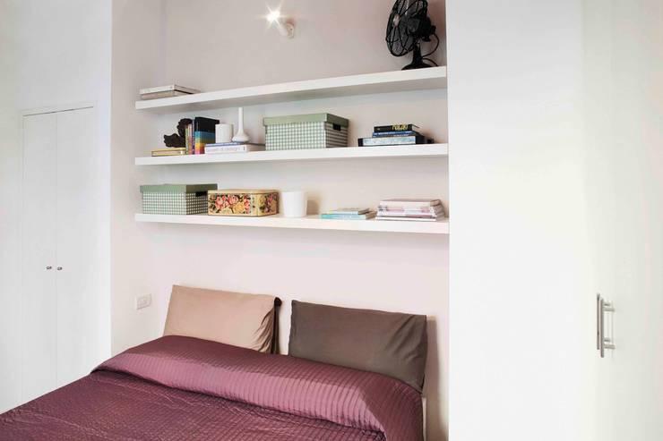 modern Bedroom by marta novarini architetto