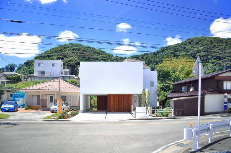 日並郷の家: 株式会社アトリエカレラが手掛けたtranslation missing: jp.style.家.modern家です。