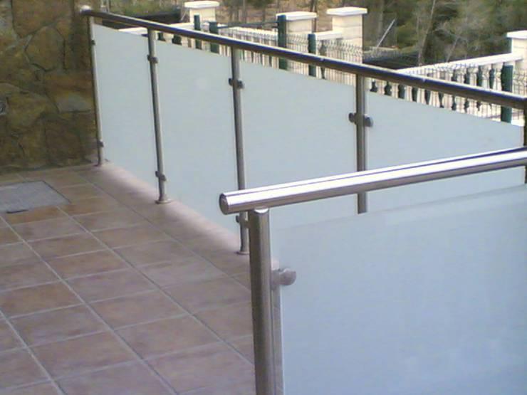 Barandas de exterior e interior de cierres metalicos avila for Barandas de vidrio y acero