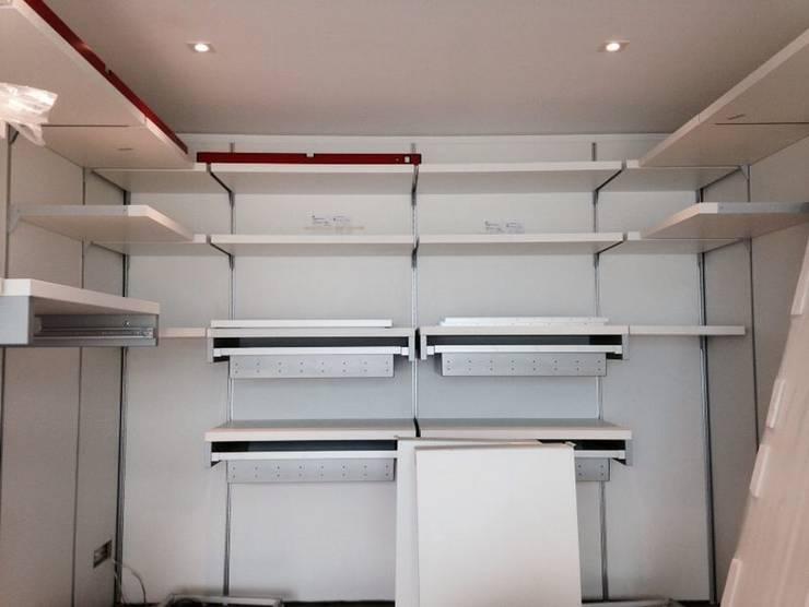 Closets modernos por MARA GAGLIARDI 'INTERIOR DESIGNER'