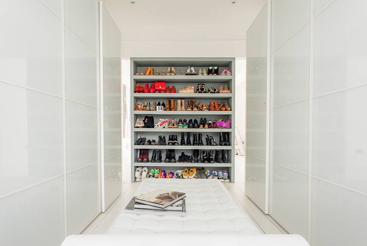 Full House Renovation with Crittall Extension, London: modern Dressing room by Holland and Green