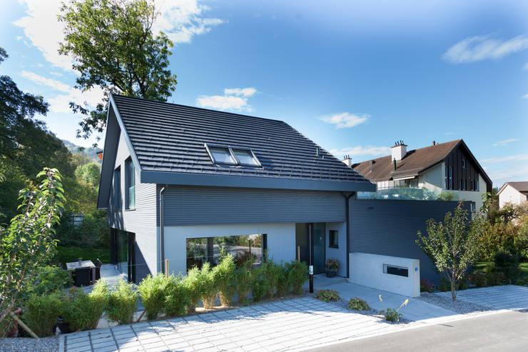 Eingang wohnhaus moderne häuser von von mann architektur gmbh