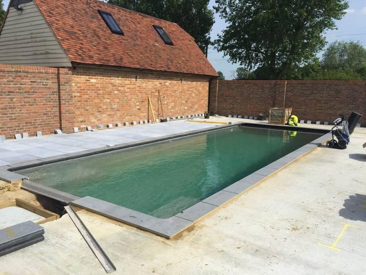 Projekty,   zaprojektowane przez XL Pools Ltd