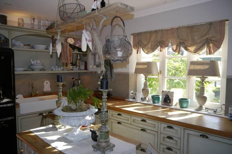 Le tende su misura per la tua nuova cucina - Tende da cucina rustica ...