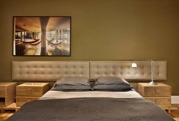 Camera da letto in stile in stile Moderno di lena pinheiro - interior ...