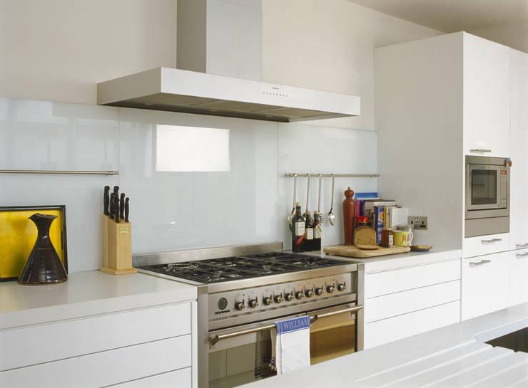 modern Kitchen by Space Alchemy Ltd