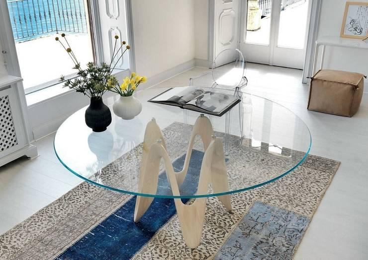 Il tavolo in cristallo raffinato ed elegante for Tavoli per sala da pranzo moderni