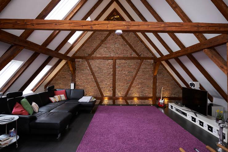smartes fachwerkhaus. Black Bedroom Furniture Sets. Home Design Ideas