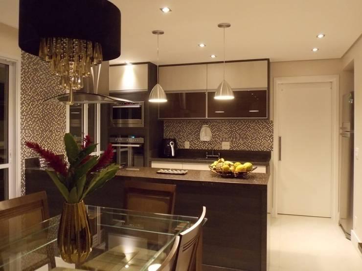 6 apartamentos peque os muy modernos for Modelos de cocina comedor pequenos