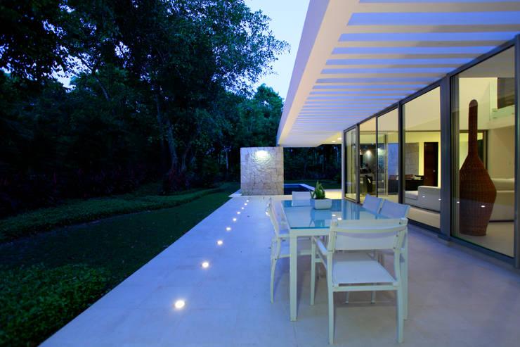 12 terrazas en esquina modernas y fabulosas - Iluminacion terrazas exteriores ...