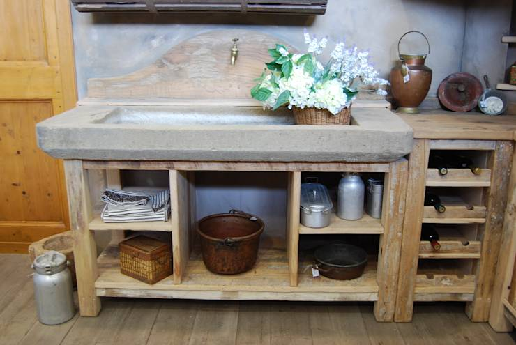 Cucina Country: Cucina in stile in stile Rustico di Porte del Passato