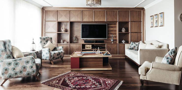 Bilgece Tasarım - Gül & Emin Timur: modern tarz Oturma Odası