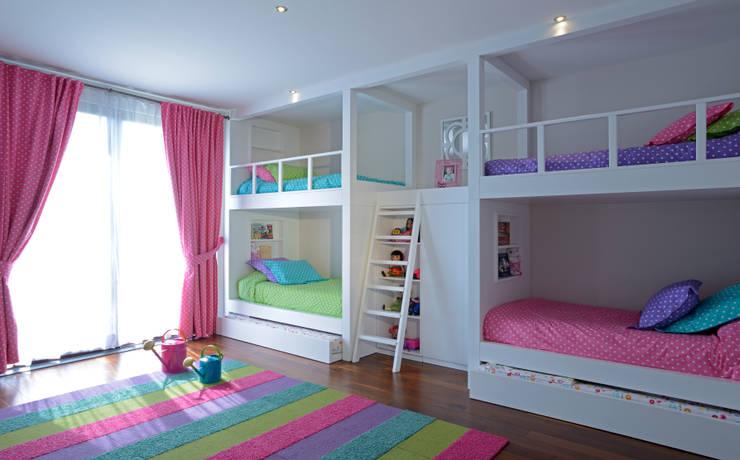 Literas Recamara Infantil Casa GL: Recámaras infantiles de estilo moderno por VICTORIA PLASENCIA INTERIORISMO