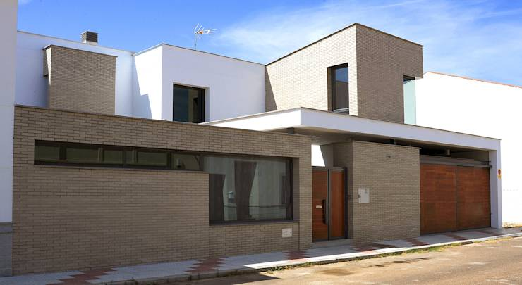 Five affordable modern homes to copy for Affordable modern homes