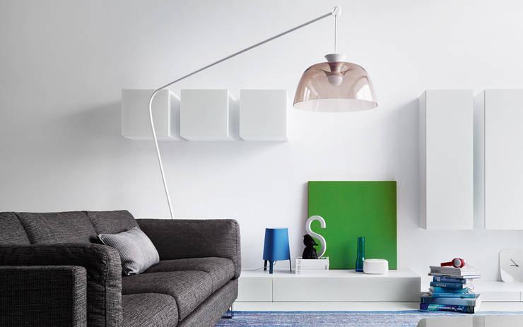 Le mensole moderne per decorare pareti e stanze for Mensole chiuse