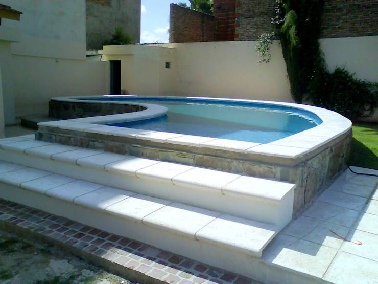 10 piscinas perfeitas para quintais pequenos for Presupuesto para una alberca