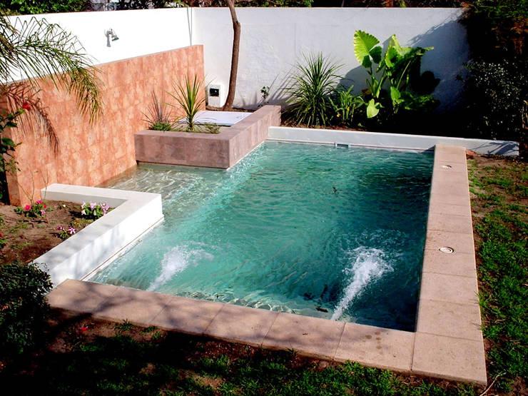 10 piscinas perfeitas para quintais pequenos - Piscinas en patios interiores ...