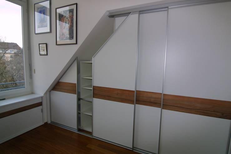schiebet ren in der dachschr ge von schrankidee peter dany. Black Bedroom Furniture Sets. Home Design Ideas