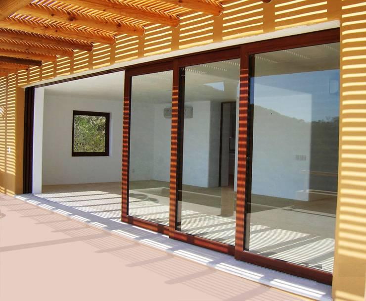 10 puertas corredizas para casas modernas te encantar n for Puertas corredizas de herreria