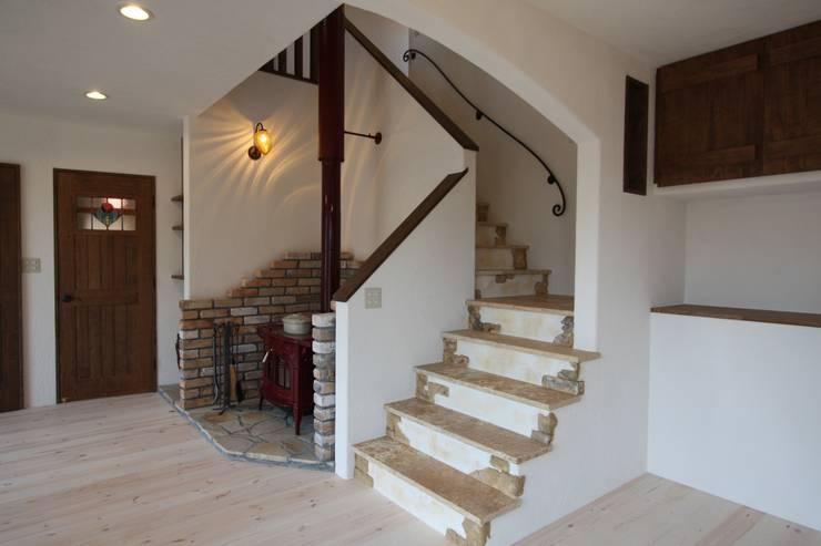 Escaleras para espacios reducidos 10 dise os sensacionales - Woonkamer met trap ...