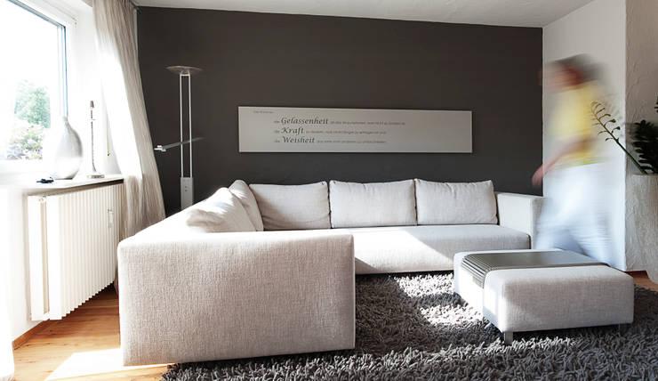 mit diesen inspirationen kannst du dein wohnzimmer neu gestalten. Black Bedroom Furniture Sets. Home Design Ideas