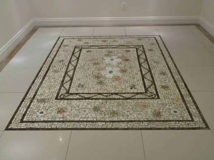 Pisos em mosaico mandalas em mosaico para pisos e for Mosaico para piso