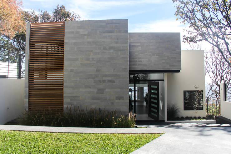 8 ideas geniales para fachadas peque as for Casas modernas hormigon visto