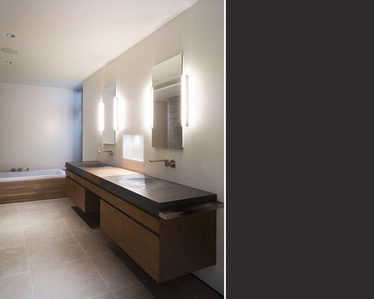 Coppie felici con il mobile bagno con doppio lavabo for Q in mobili bagno