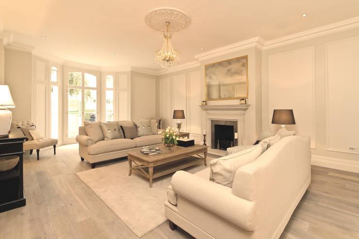 El estilo cl sico moderno de una casa nica for Casas estilo clasico moderno