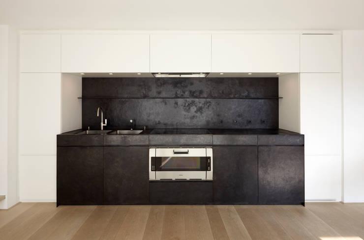 Le cucine bianche modelli e stili diversi for Case bianche moderne