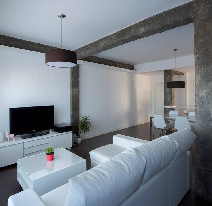 Salas de estar pequenas e bonitas for Interior sinonimos