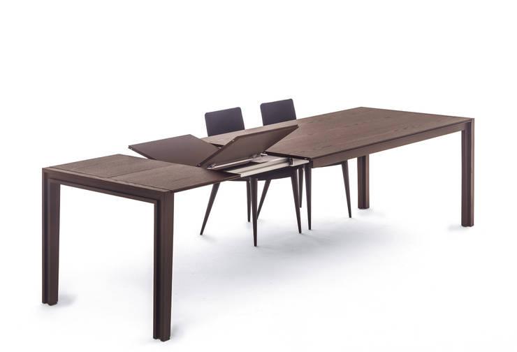Tavoli da pranzo moderni per tutti i gusti for Tavoli allungabili ovali moderni