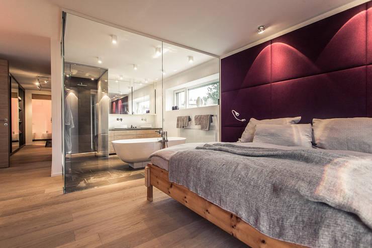 luxus feeling zu hause integriert das bad ins schlafzimmer. Black Bedroom Furniture Sets. Home Design Ideas