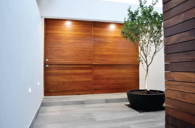 10 puertas corredizas para casas modernas te encantar n for Modelos de puertas de ingreso