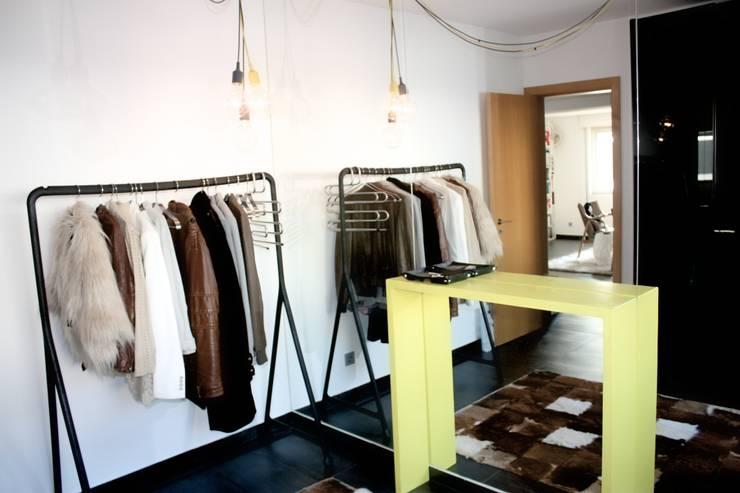 Handige tips voor het cre ren van een kleine kleedkamer - Moderne slaapkamer met kleedkamer ...