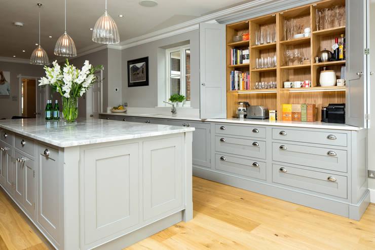 10 klassisch moderne k chen. Black Bedroom Furniture Sets. Home Design Ideas