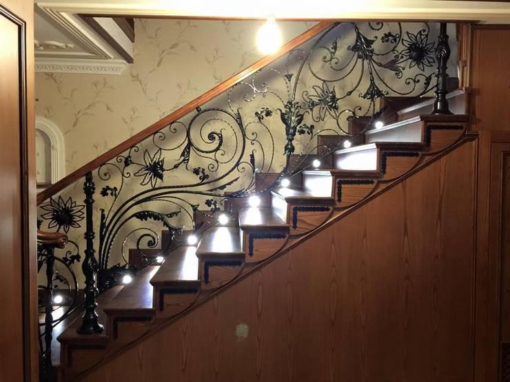 10 barandales de herrer a que har n lucir tu escalera al for Escaleras de herreria