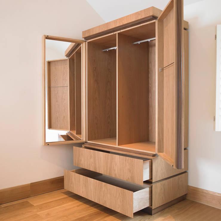 10 armarios roperos cl sicos pero modernos for Roperos de madera para dormitorios