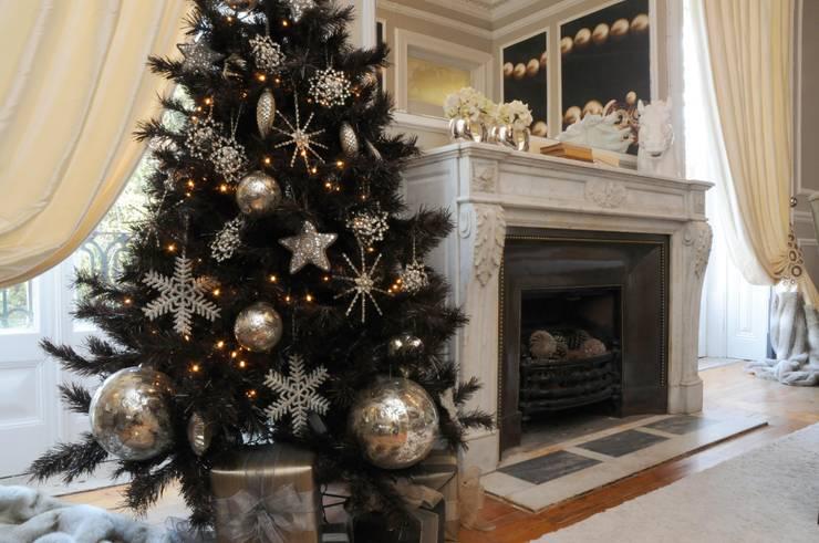 so h ltst du deinen weihnachtsbaum l nger frisch. Black Bedroom Furniture Sets. Home Design Ideas