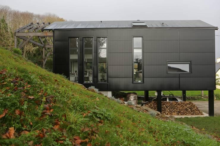 Une maison familiale l 39 int rieur surprenant - Creer style minimaliste maison familiale ...