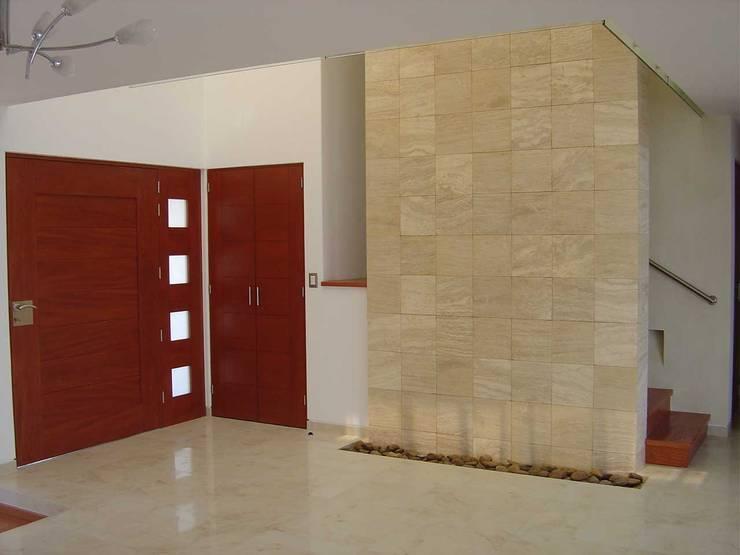 13 muros de piedra para interiores modernos y elegantes for Plafones de techo y pared